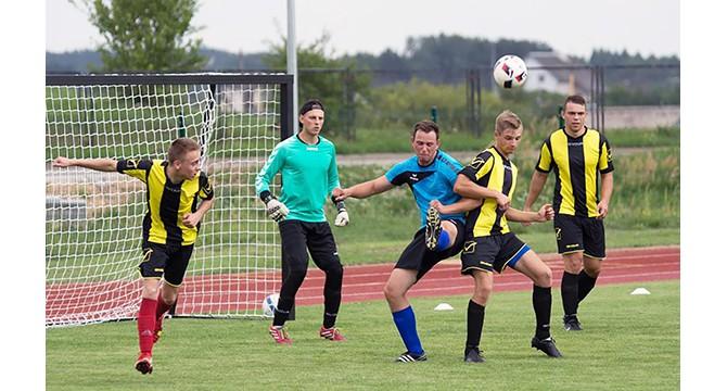 Futbolo pirmenybėse – septynios komandos
