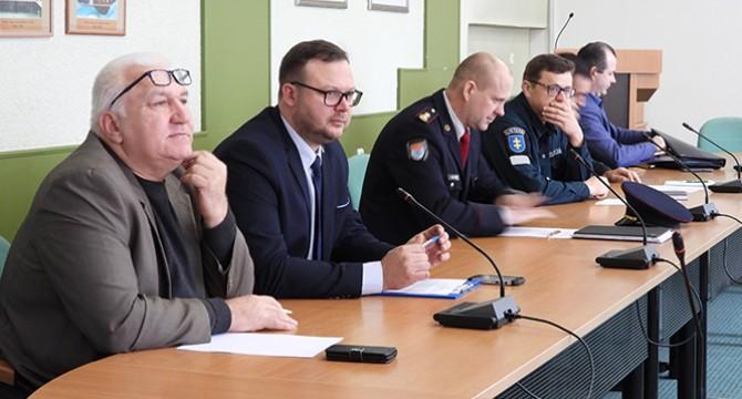 Molėtų ekstremalių situacijų komisijos posėdyje - aktualijų aptarimas